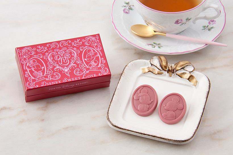 \今話題のルビーチョコレートが登場!/ミッキーとミニーがそれぞれ描かれた、ルビーチョコレート。果実感のある酸味が特徴です♪くわしくは>>...のイメージ