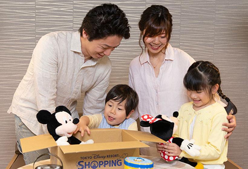【お知らせ】臨時休園期間中、パークで販売している一部のグッズをご自宅でも購入いただけるよう、5月26日(火)から東京ディズニーリゾート・アプリでオンライン販売を開始します。パ...のイメージ