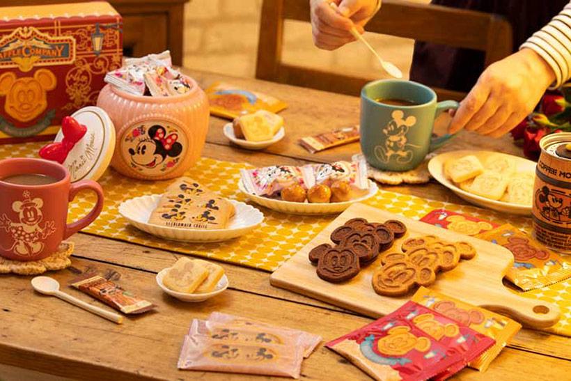 【パークならではのお菓子も雑貨も!】今ならパークへ来園していないみなさんも、7:00~8:45の間、東京ディズニーリゾート・アプリのオンラインショッピングがお楽しみいただけま...のイメージ