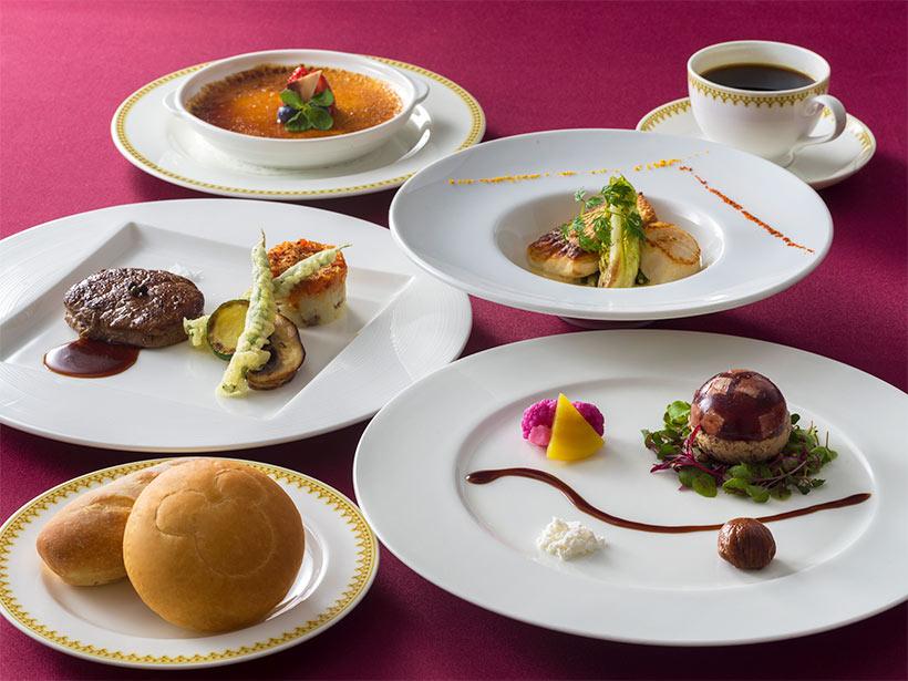 【東京ディズニーシーのレストラン「マゼランズ」の新グランドメニューをご紹介】 3月30日(火)から「マゼランズ」のグランドメニューの一部が新しくなります。...のイメージ