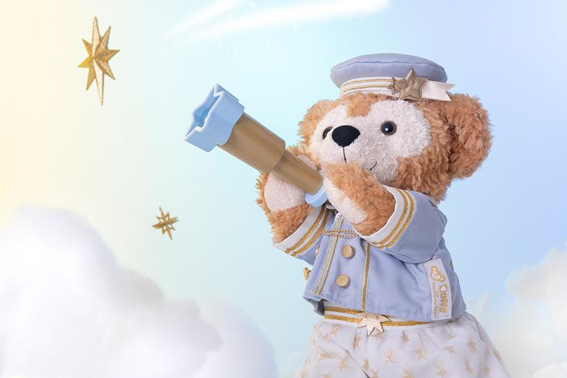 ダッフィーは望遠鏡でなにかを見つけたみたい♪  #ダッフィーアンドフレンズのスターリードリームス https://t.co/Rafdxbb7IFのイメージ