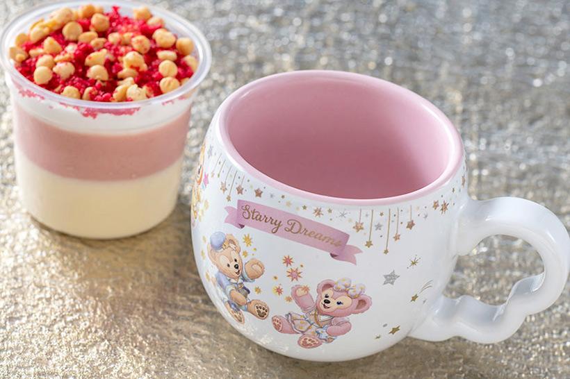ストロベリー&ホワイトチョコムースは、キャラメル風味が香ばしいサクサクのビスケットとラズベリー顆粒がアクセント。...のイメージ
